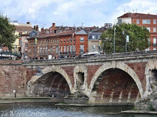 Pont Neuf depuis Hôtel Dieu Saint Jacques Toulouse France