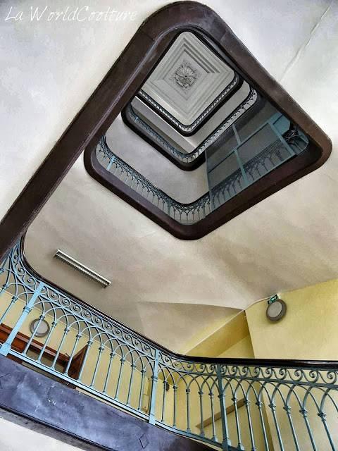 escalier bibliothèque de l'esav Toulouse France