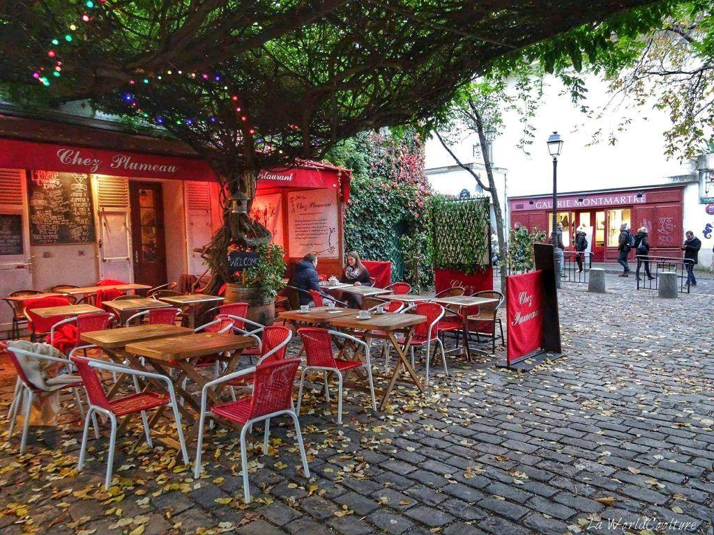 Bar Montmartre Paris France