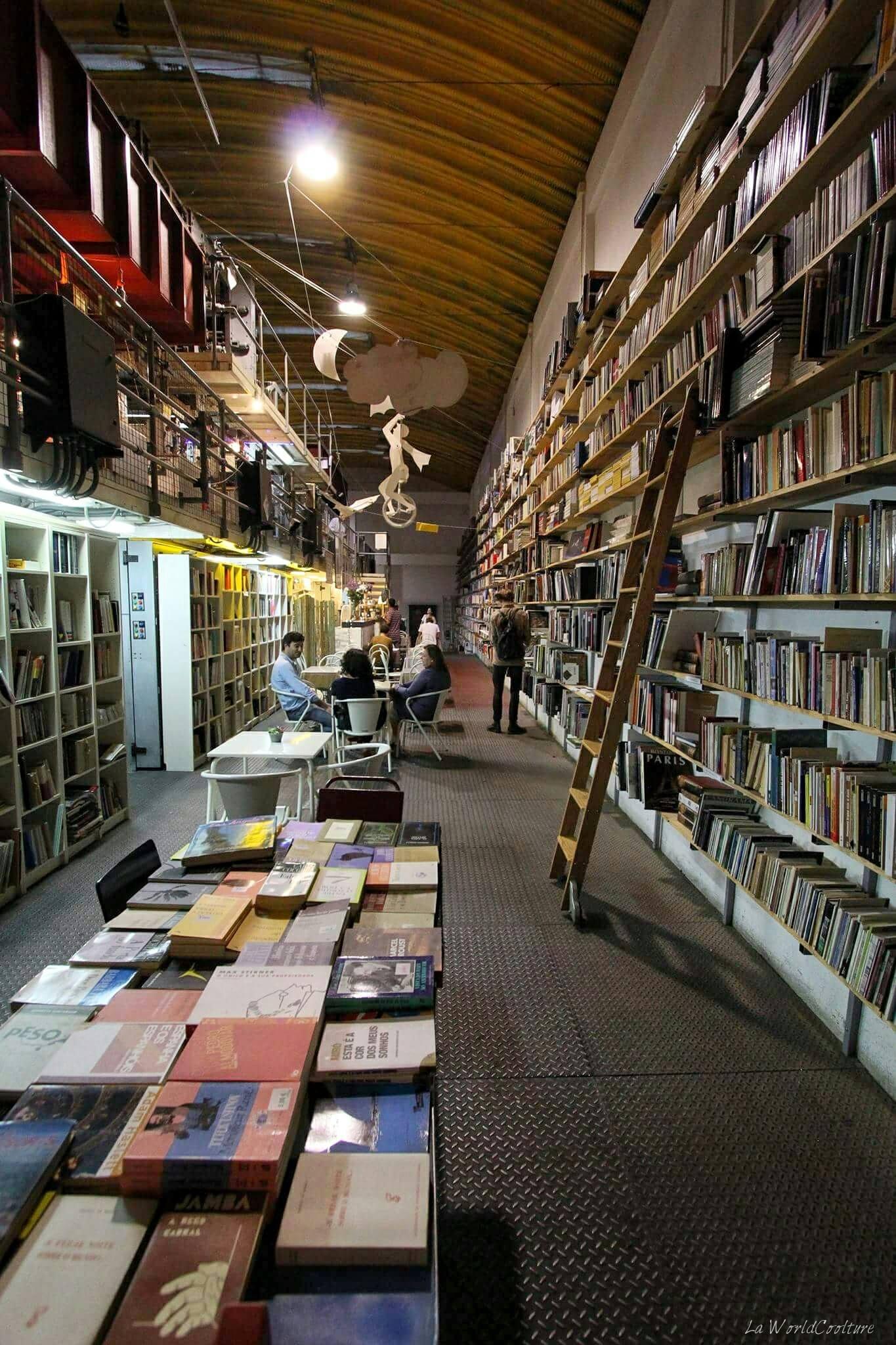 Librairie-Ler-Devagar-Lx-Factory