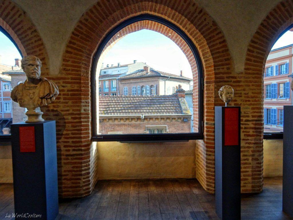 Statues-avec-vue-sur-Toulouse-MSR