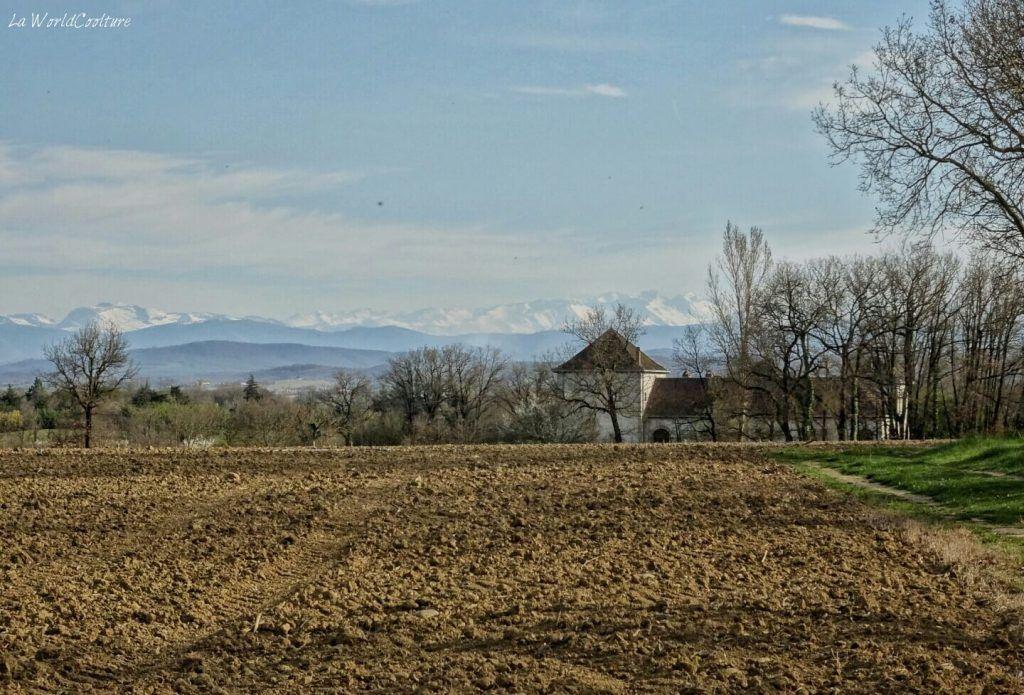 Rieux Volvestre Haute Garonne vue sur les Pyrénées