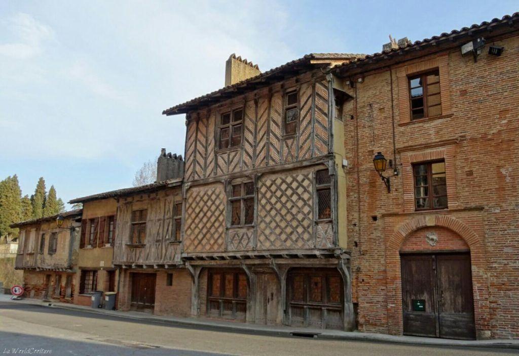Maisons-gothiques-colombages-Rieux-Volvestre