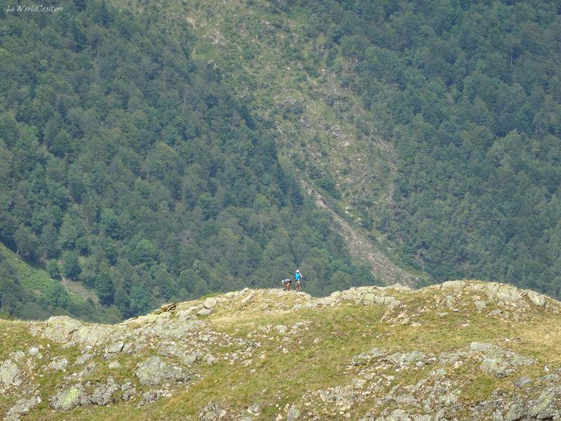 randonneurs-chemin-lac-vert-pyrenees