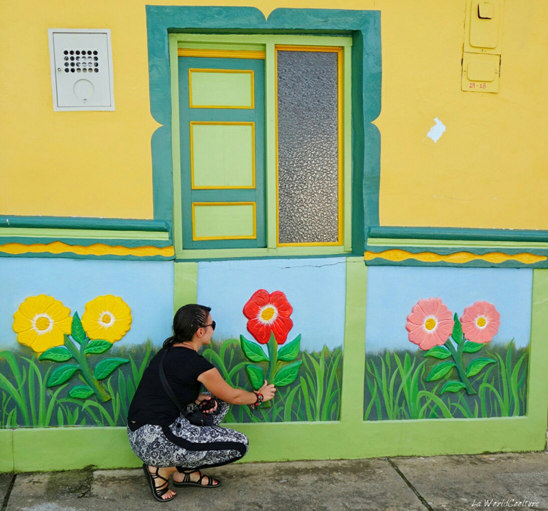 guatape-village-street-art-traditionnel-colombie
