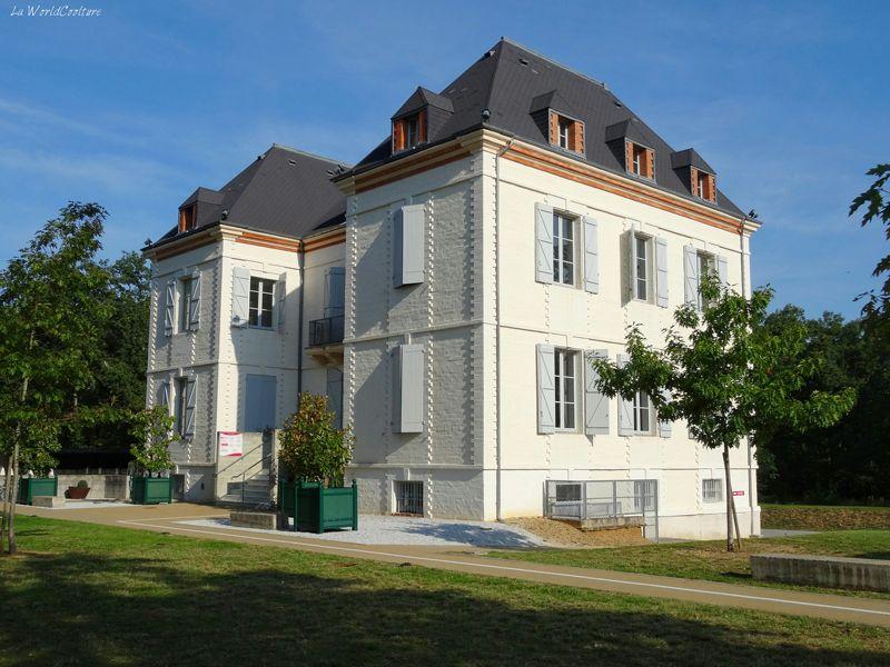 Oenotourisme en Haute Garonne maison des vins et office de tourisme de Fronton