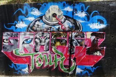 medellin-comuna13-graffiti-tour- colombie