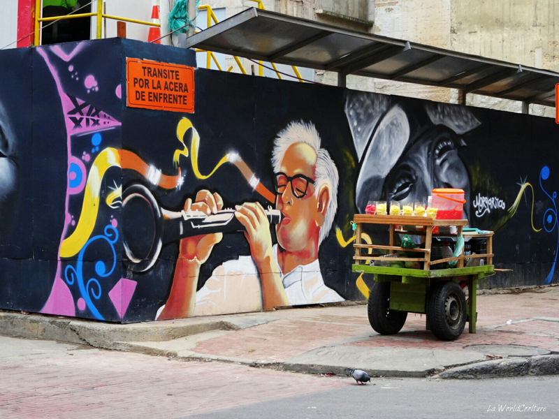 les plus beaux Street Art  - Page 3 Bogota-candelaria-stand