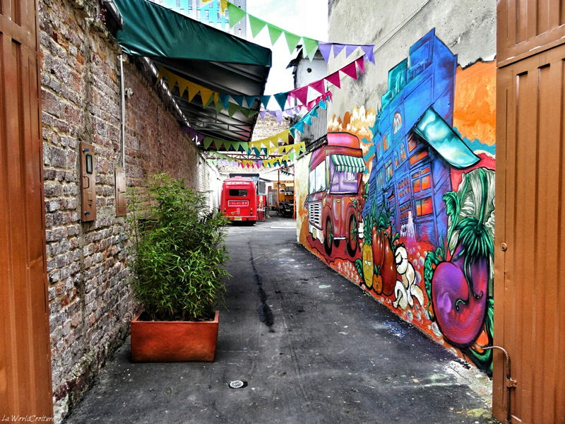 bogota-quartier-colpatria-graffitis-food-court