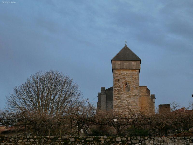 saint-bertrand-comminges-clocher-insolite