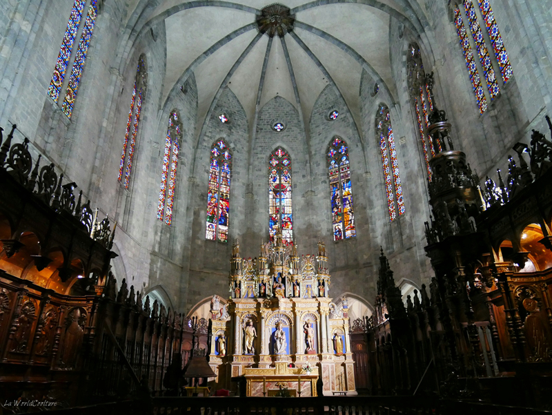 intérieur-cathedrale-pyrénées-saint-bertrand-comminges-haute-garonne