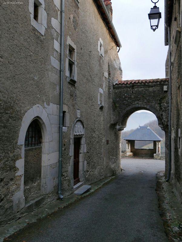 porte-fortifiée-saint-bertrand-comminges-cité-médiévale-haute-garonne