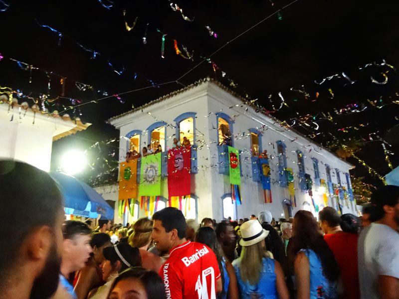 nuit-carnaval-paraty-bresil