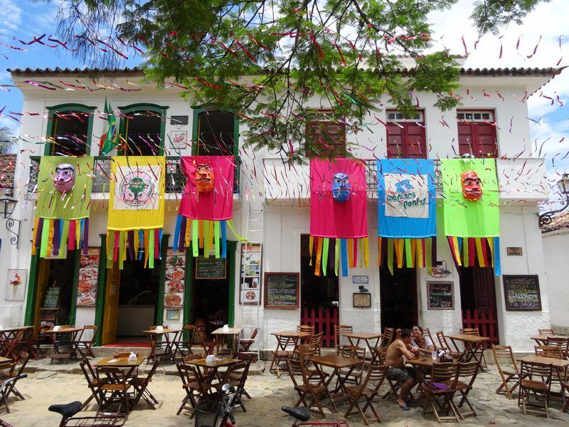 décorations-ville-paraty-carnaval-bresil