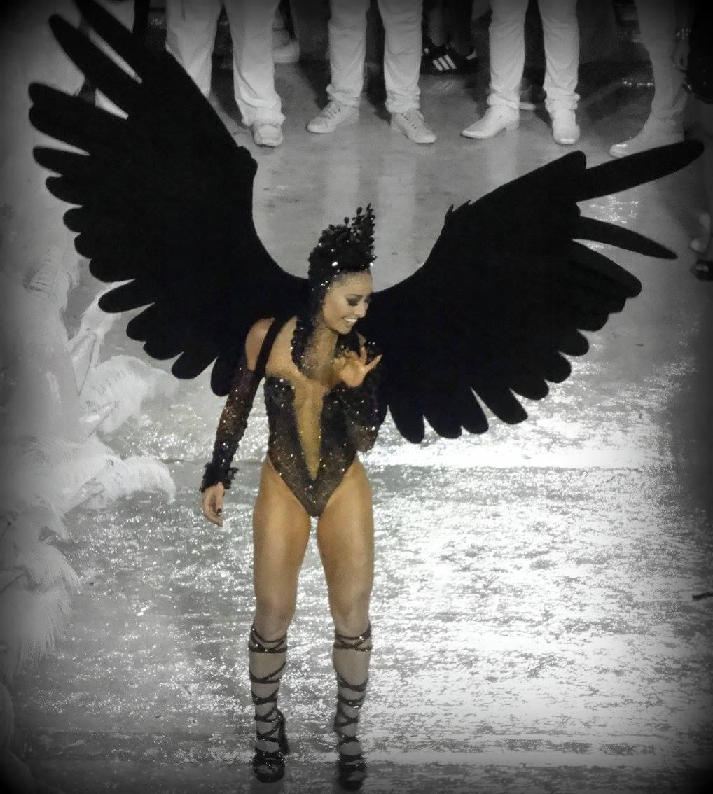 carnaval-rio-janeiro-danseuse-samba
