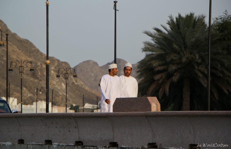 comment-vivent-omanais-Mascate-Oman