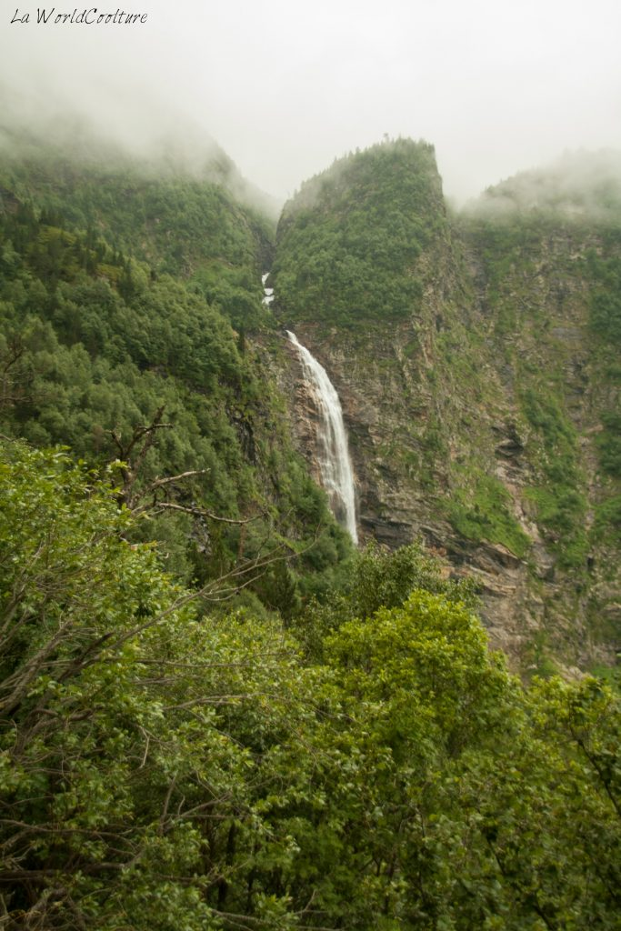 cascade-lac-d'oo-randonnée-familiale-pyrénées