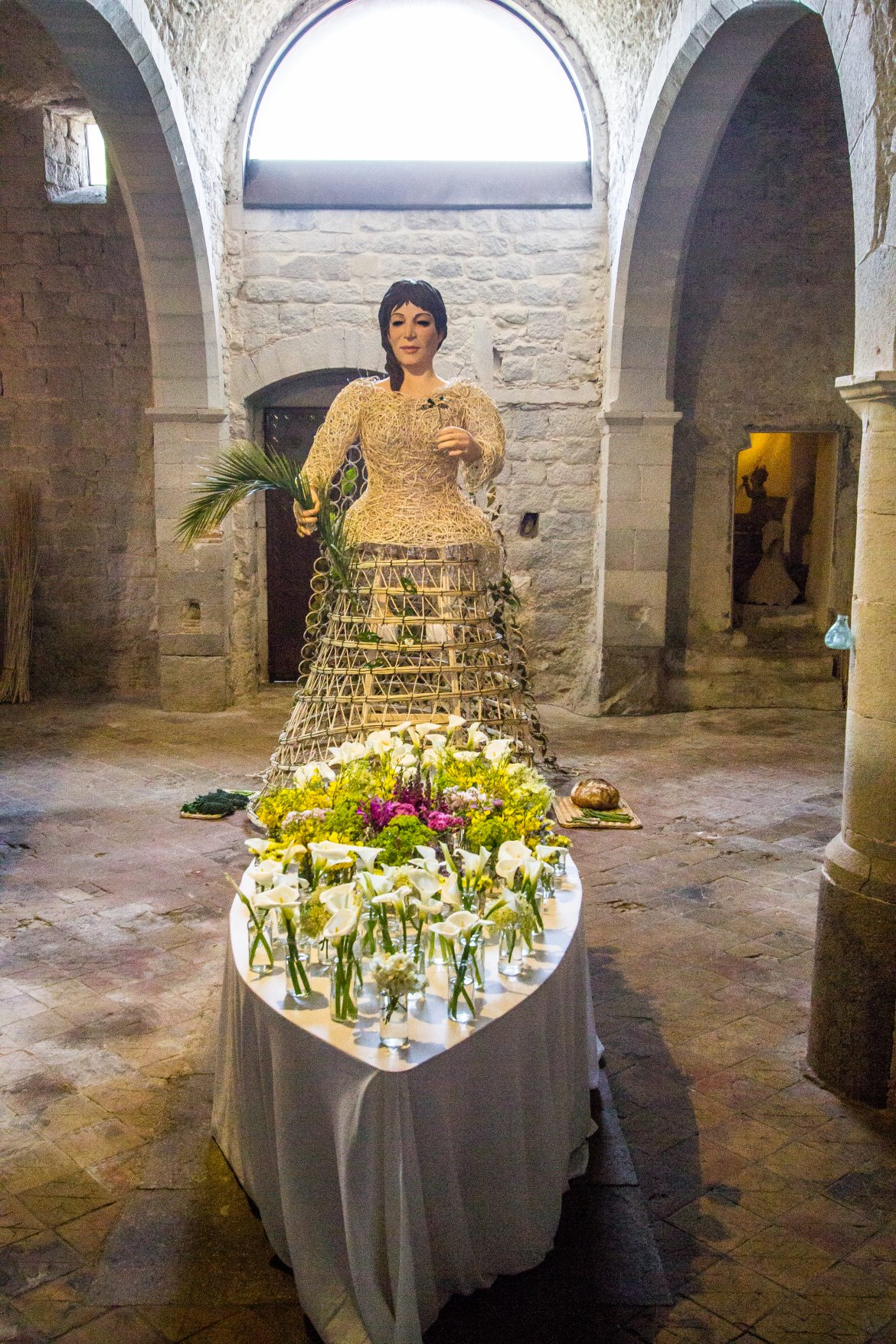 fête-des-fleurs-insolite-dans-monuments-religieux-Gérone-Catalogne