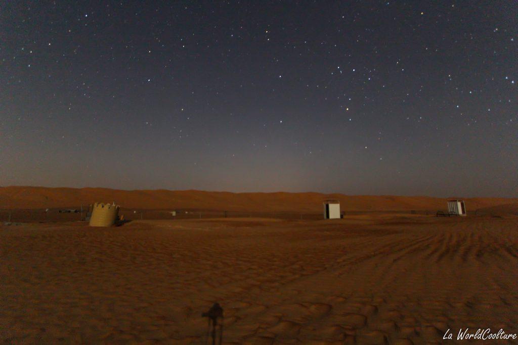 Photographier le ciel et les étoiles dans le désert à Oman