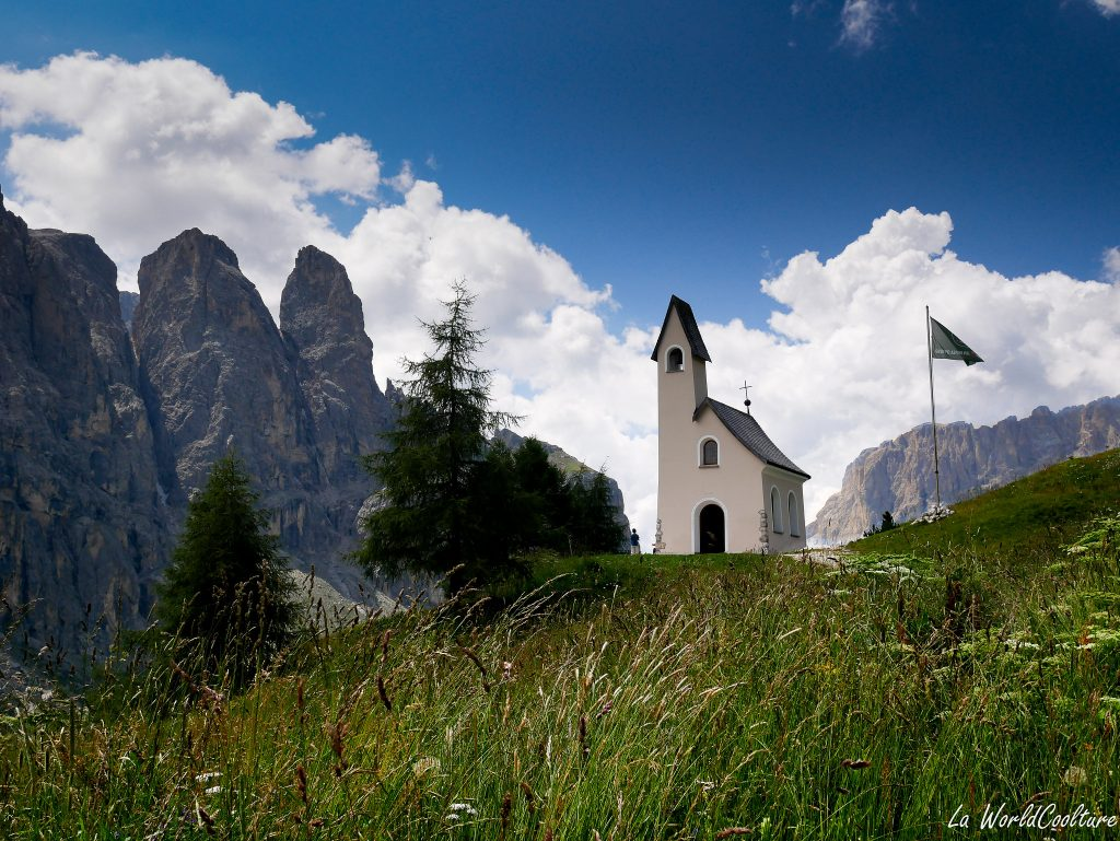 Quels sont les paysages incontournables des Dolomites ?