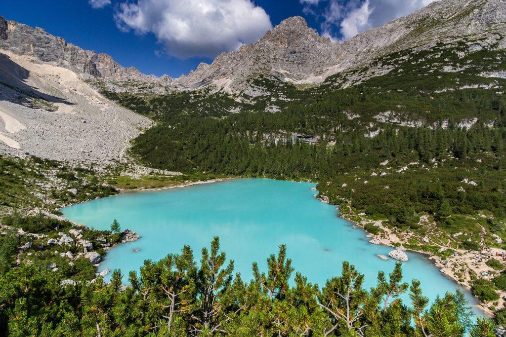 Quels sont les plus beaux lacs des Dolomites à faire en famille ?