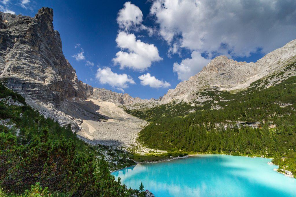 Lac incontournable des Dolomites en Italie : lac de Sorapis