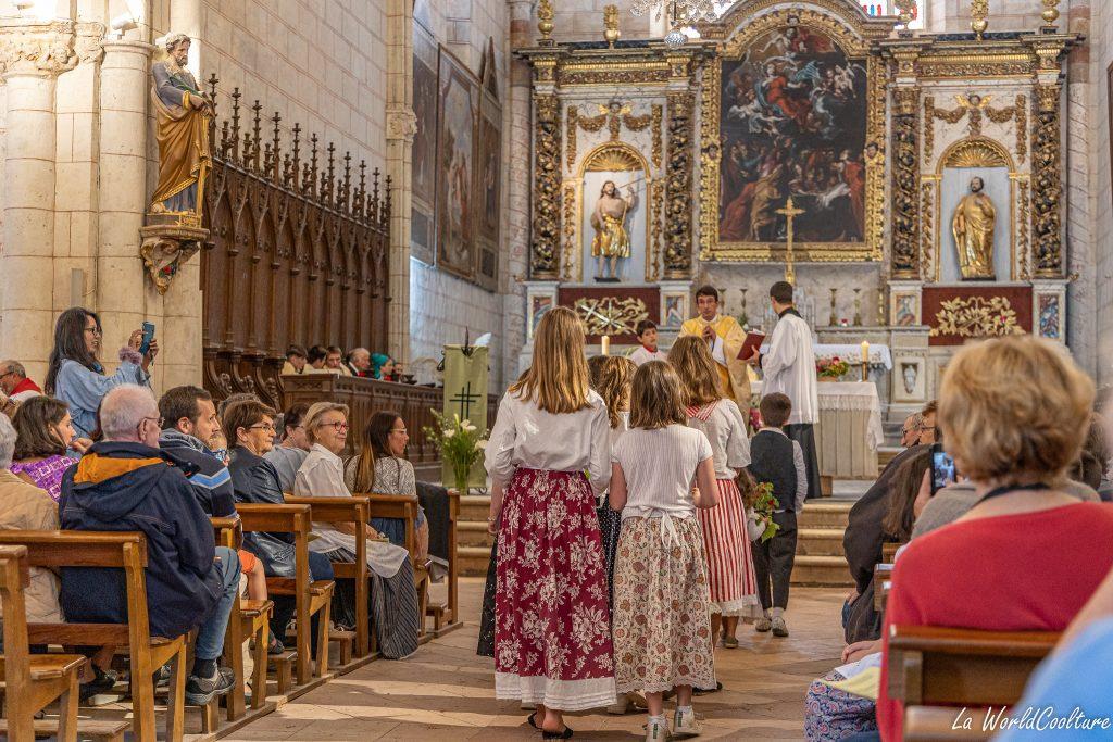 Assister à la messe de la Saint-Noé à Auvillar