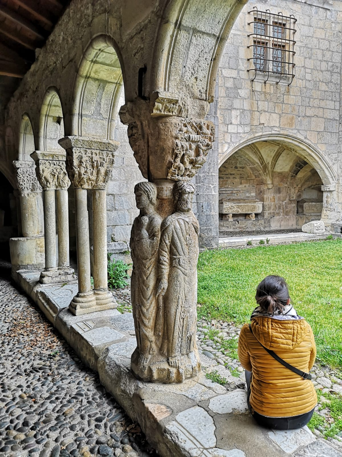 visiter le cloître de la cathédrale Saint-Bertrand-de-Comminges