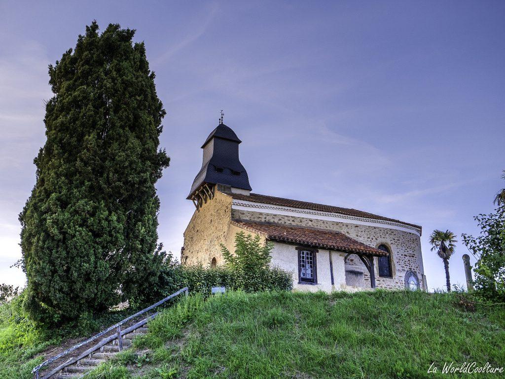 beau village Gers avec point de vue sur les Pyrénées